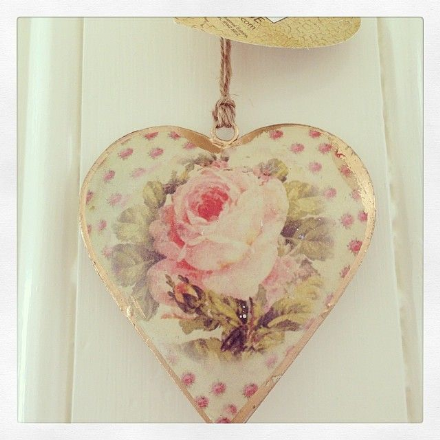 50% OFF Vintage Tin Heart- Pale Pink & Cream Rose
